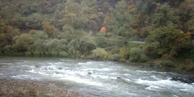 U rijeci Bosni pronađen muški leš