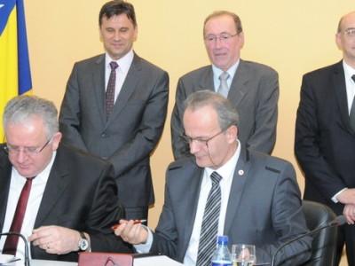 Potpisan Opći kolektivni ugovor za FBiH