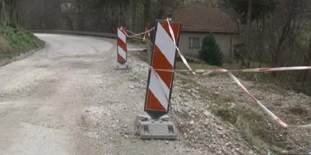 Počela sanacija klizišta na cesti u Čajdrašu