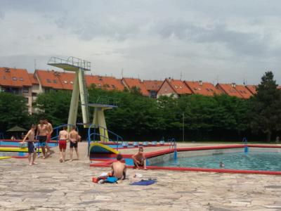 Otvoreni zenički bazeni