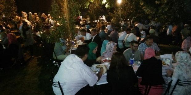 Iftar za 380 postača u džematu Nur Han