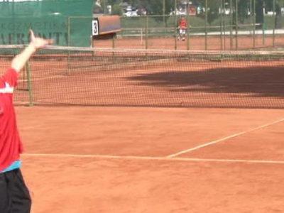 Priređen teniski turnir za najmlađe