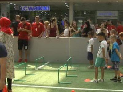 Nogometaši Čelika se družili sa mališanima