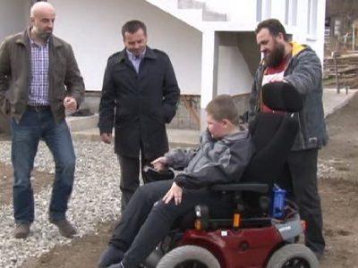 Donirana kolica Selmanu Kozliću