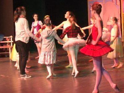 "Izvedena baletna predstava ""Vila lutaka"" za najmlađe"