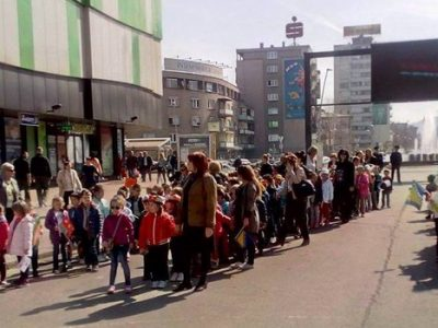 Djeca iz vrtića šetnjom čestitala Dan Zenice