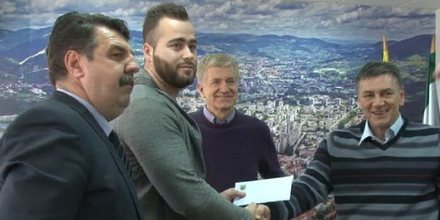 Pezeru novčana nagrada gradonačelnika Kasumovića