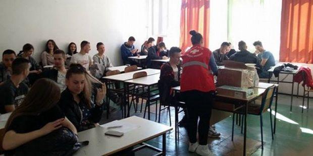 Učenici i nastavnici Tehničke i škole Mladost darivali krv