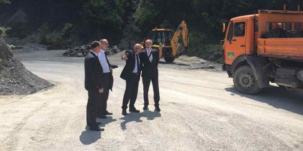 Premijer Galijašević obišao dionicu puta Nemila-Bistričak