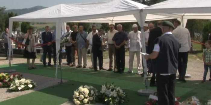 Obilježena deveta godišnjica od smrti Ahmeta Hadžipašića