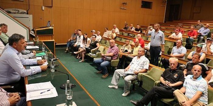 U Sali Gradskog vijeća održan sastanak sa demobilisanim borcima