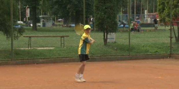 Počeo Teniski turnir za djecu do 10 godina