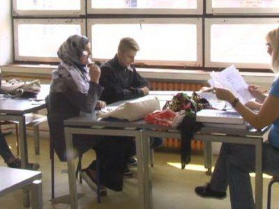 Srednjoškolci na popravnim ispitima