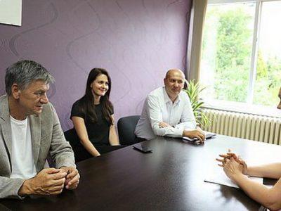 Gradonačelnik Kasumović posjetio Dom porodicu i VIK