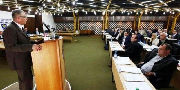 Zastupnik Edhem Fejzić uputio Inicijativu za rješavanje pitanja poreznog duga Zenicatransa
