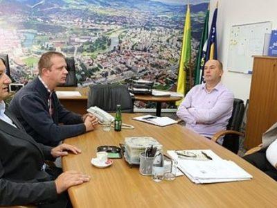 Fra Zdravko Anđić u posjeti gradonačelniku Kasumoviću