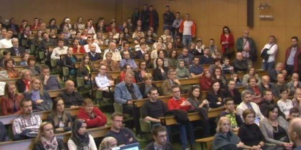 Izuzetno posjećeno predavanje o nuklearnoj fizici