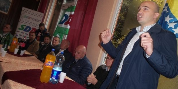 Aktivisti SDA priredili druženje na Smetovima