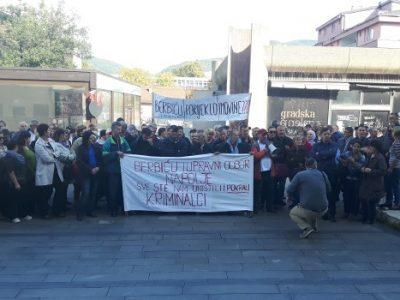 Počeo sastanak u Gradskoj upravi, paralelno protesti radnika Željezare Zenica