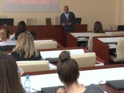 U Zenici priređena Akademija o političkom osnaživanju žena