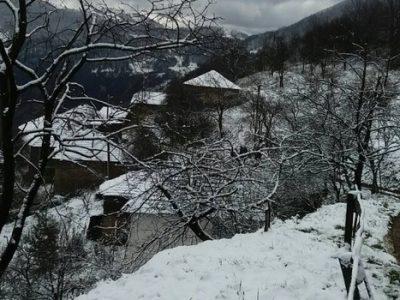 Nema problema u odvijanju saobraćaja, snijeg do 10 centimetara